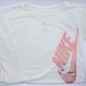 Nike: girls long sleeve t-shirt